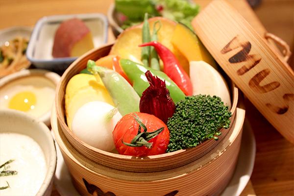 大阪・梅田の『蒸し料理専門店 mus(ムス) 梅田』で、野菜本来の味を楽しむ♪女性に嬉しいヘルシー…