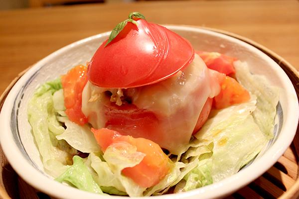 「丸ごとっ!?トマトと豚のチーズ蒸し」(972円)