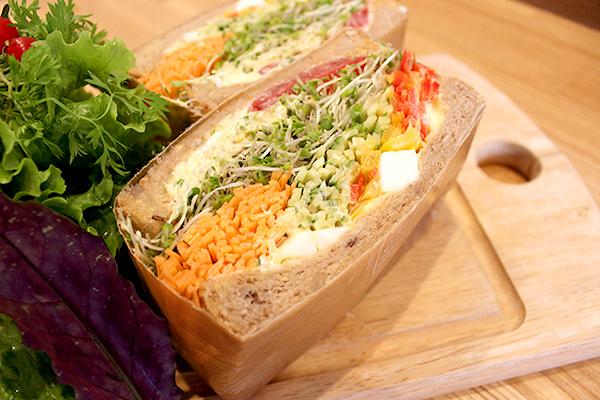 大阪・北浜『NORTHSHORE(ノースショア)』が女性に大人気!新鮮な果物や野菜が食べられるオシャレな店