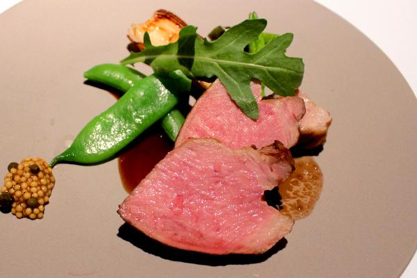 大阪・福島の『フレンチレストラン ブザンソン.』で、ゆったりと自然体で楽しむフレンチ