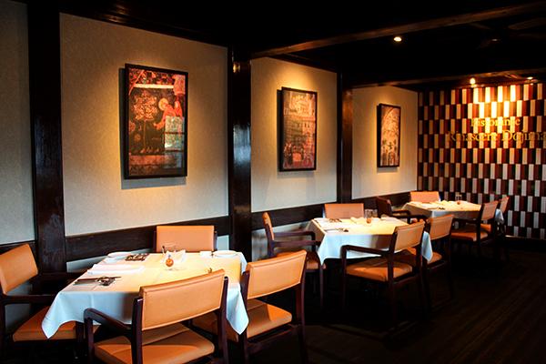 テーブルの間隔も広く、周りを気にせずに食事を楽しむことが出来る