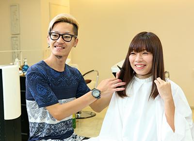 数十類のオーガニックパウダーを掛け合わせ幾通りもの髪色に! ツヤ・コシのある髪へと導く「和漢ハーブカラー」を体験!