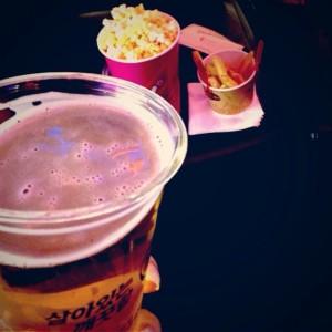 金浦空港の映画館で飲む