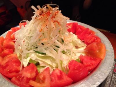 女たるもの、トマトは進んで食べるべし。