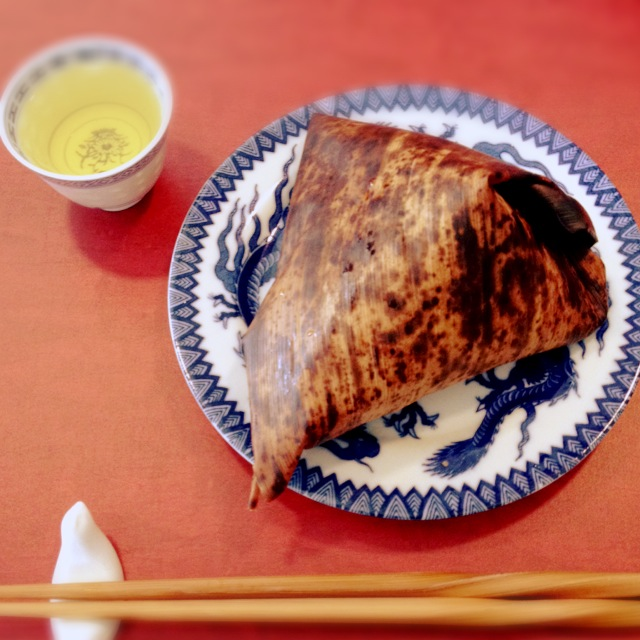 上本町で、涙腺を刺激する台湾烏龍茶を。