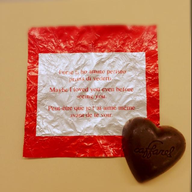 愛を語るよりカファレルを贈ろう。