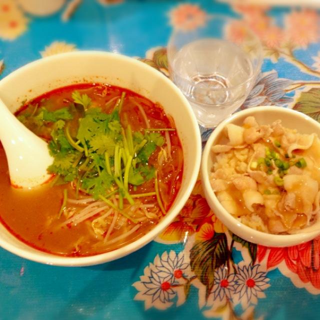 ダイエット中でもウマイもん食いたいなら、難波でスープ春雨。