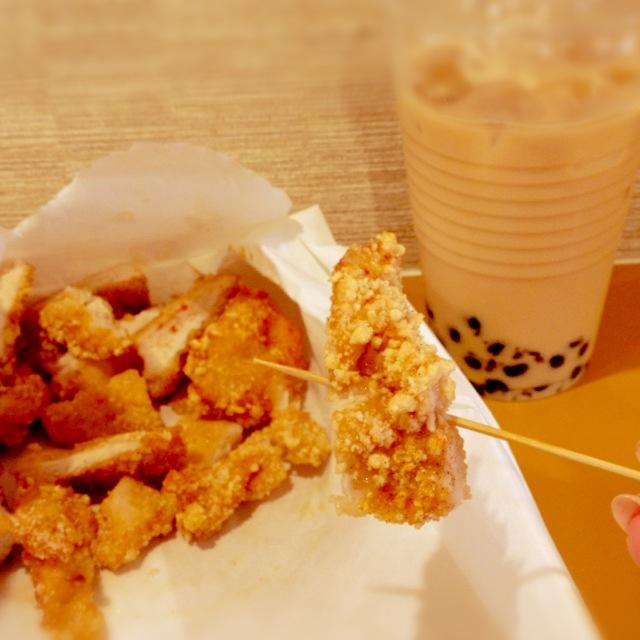 台湾B級グルメを大阪で。新店『好呷(ホージャー)』で雞排(台湾唐揚げ)。