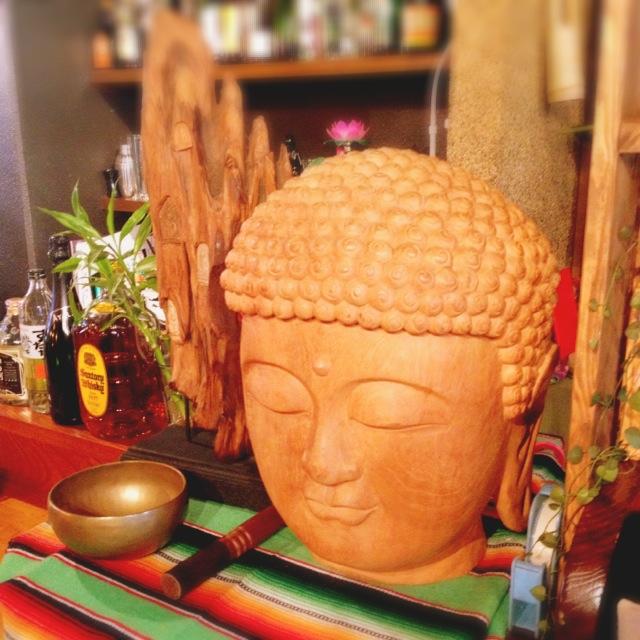 四天王寺前夕陽ヶ丘の『食堂 虹の仏』で絶品・古代米定食。