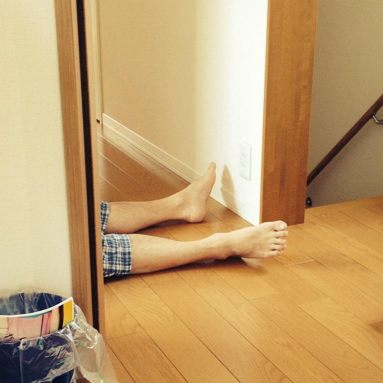 同僚の御尊父の寝姿3連発が想像の斜め上を行きまくっている件。