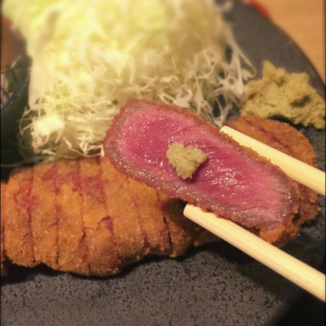 行列のできる話題の牛カツ専門店『京都勝牛』が心斎橋にやってきた。