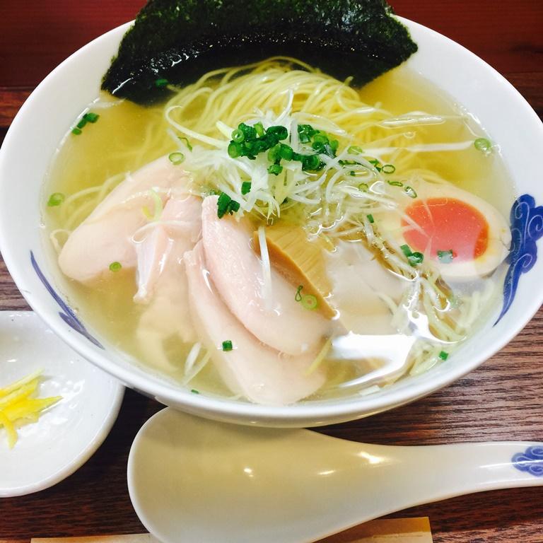 京都・河原町の人気ラーメン店『猪一』で、どんだけ並んでもまた食べたい一杯に出会う。