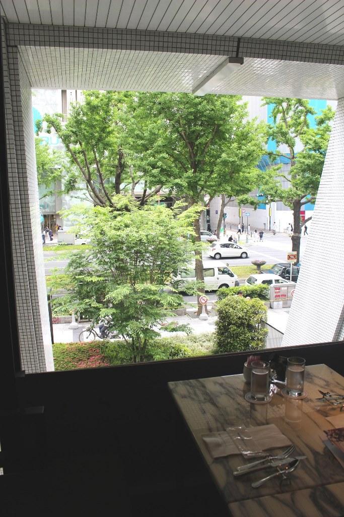 窓側のお席