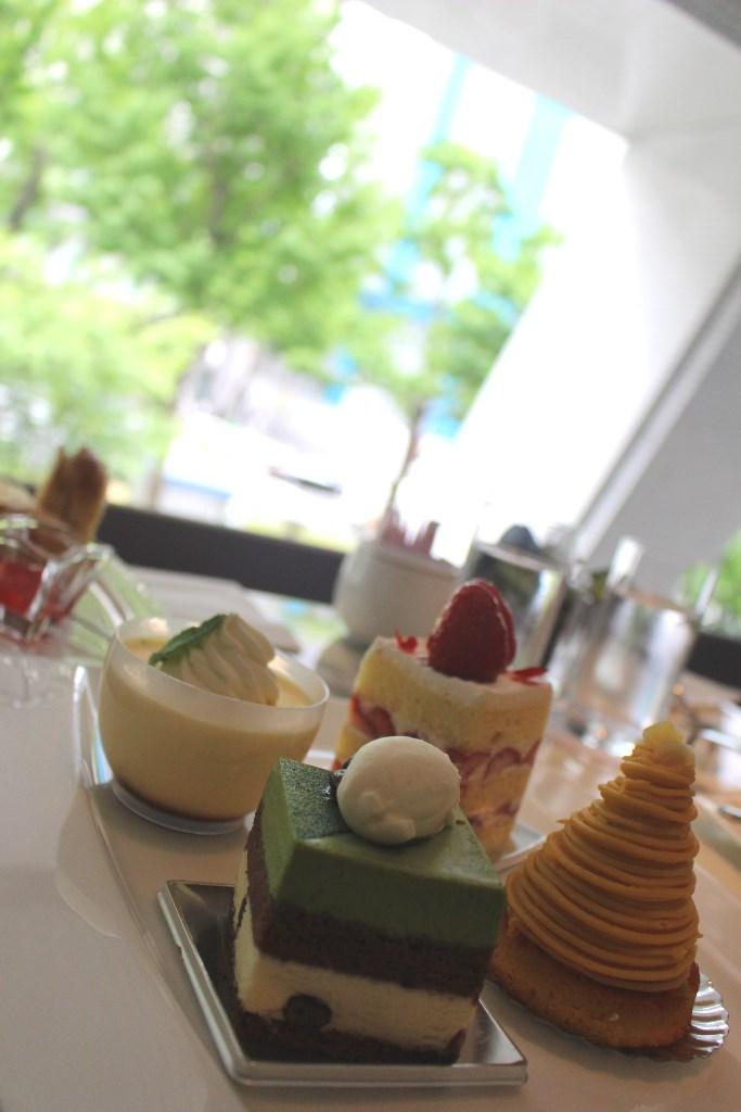 16種のスイーツを心ゆくまで!大阪・心斎橋『ホテル日航大阪』の「スイーツオーダーブッフェ」に行って…