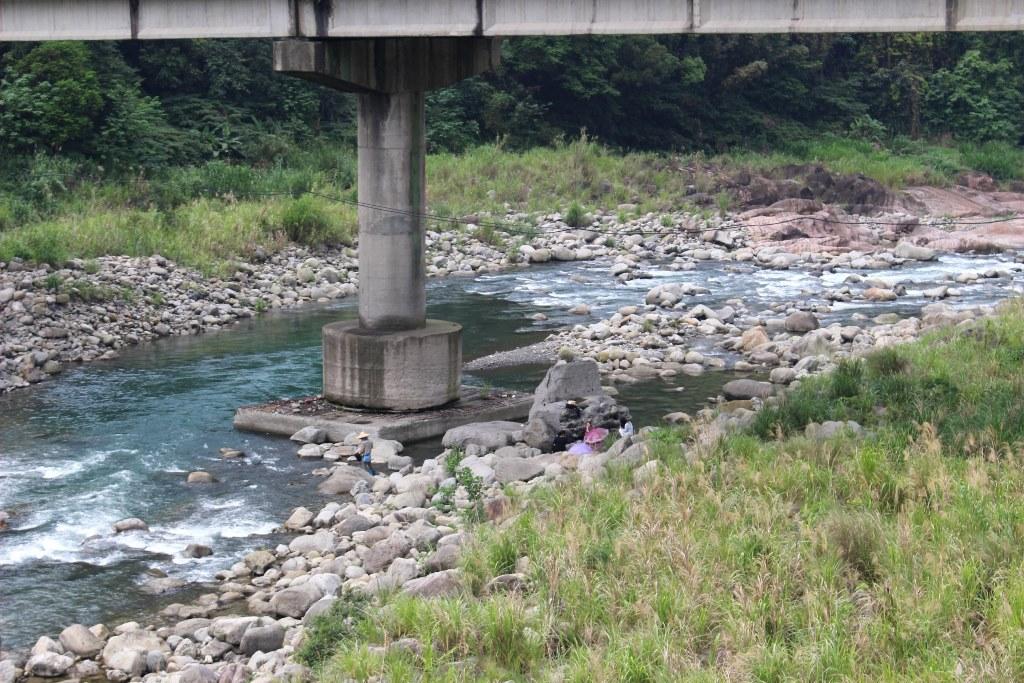 16 吊り橋から
