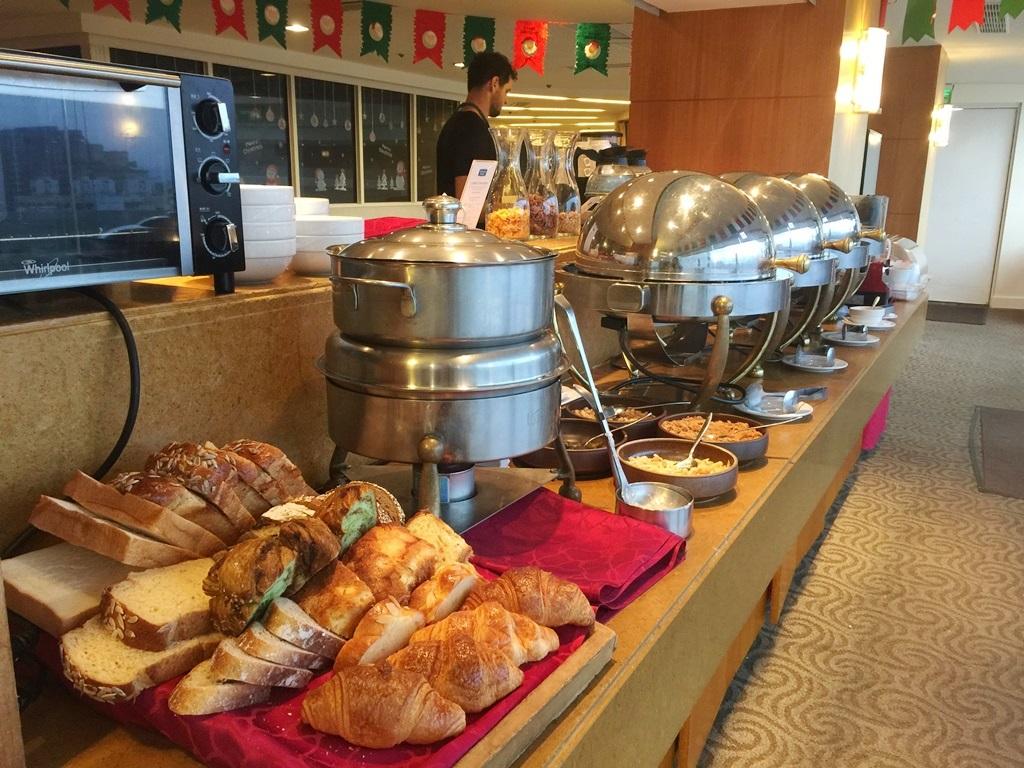 【2017-2018年越し台湾1人旅】『王朝大酒店』のエグゼクティブ専用ラウンジでモーニング食べたった。