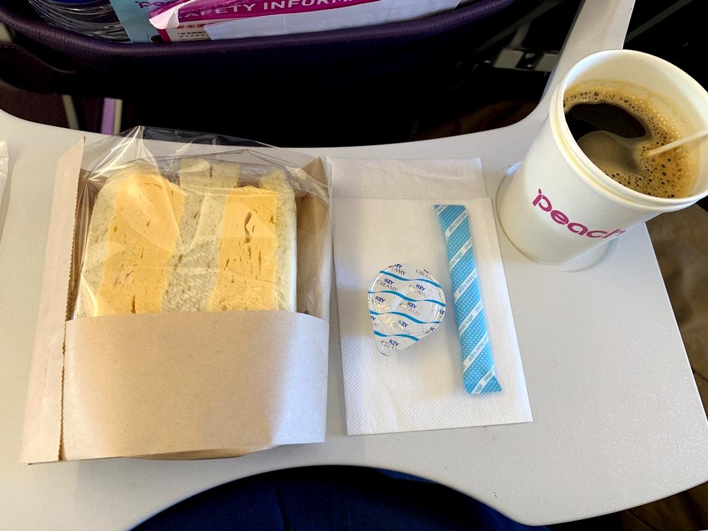 【2019年1月台湾1人旅②】関空発台北桃園行『ピーチ航空』で機内食を実食。