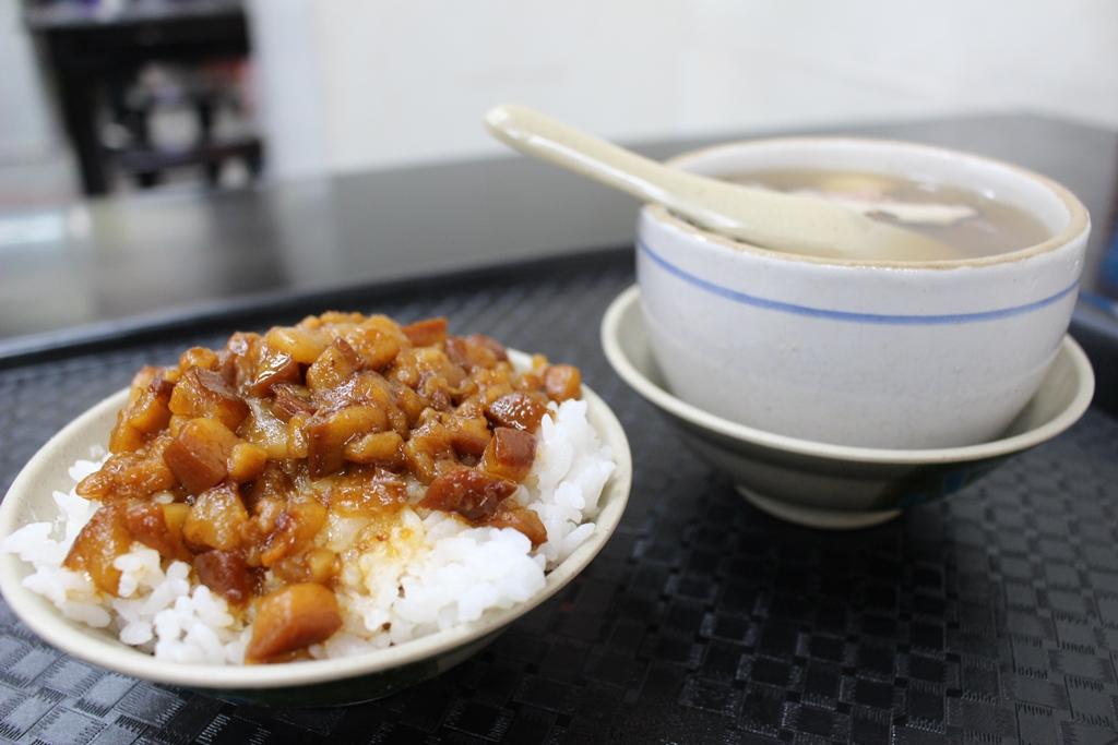 【2019年1月台湾1人旅⑦】美味しすぎてちょっと泣いた。『今大魯肉飯』(菜寮駅)。