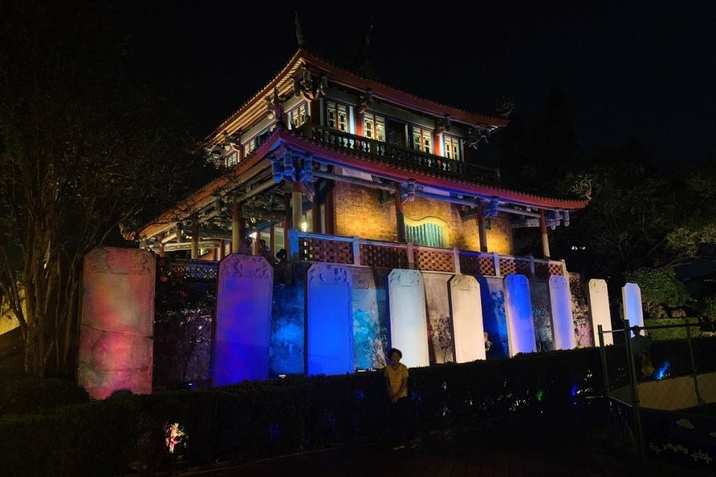 【2019年4月台湾1人旅㉕】ライトアップ姿も美しい、夜の台南『赤崁楼』。