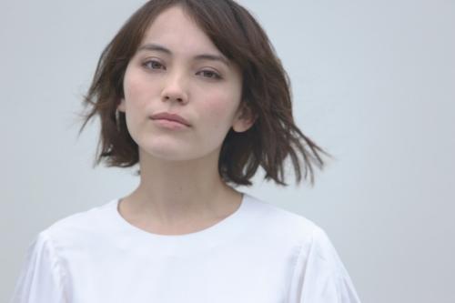 シンガーソングライター 井手綾香
