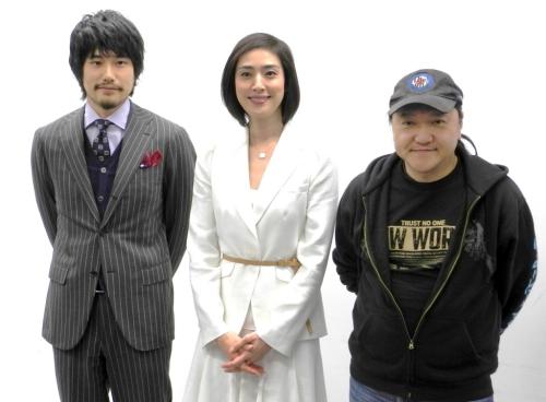 写真左から松山ケンイチ、天海祐希、いのうえひでのり