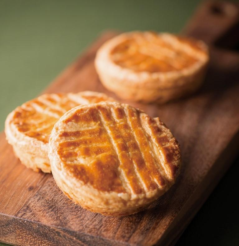 4/1(火)、ザクザク食感のフランス菓子「ガレット ブルトンヌ」が『ホテル阪急インターナショナル』…