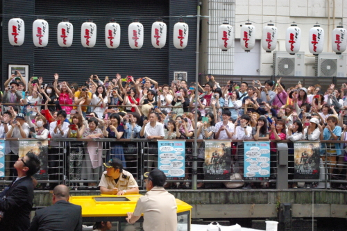 駆けつけた3000人のファンも大満足の笑顔