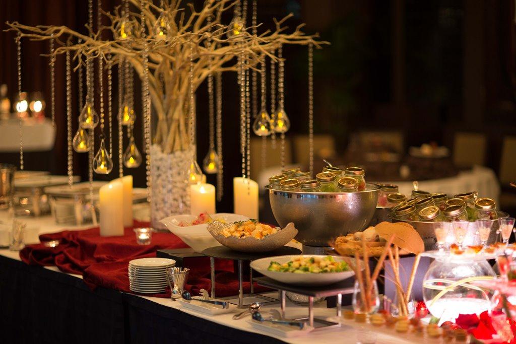 デート、女子会、オシャレ忘年会に♪ 『セントアクアチャペル梅田』の「プレミアムイルミネーションブッフェ」