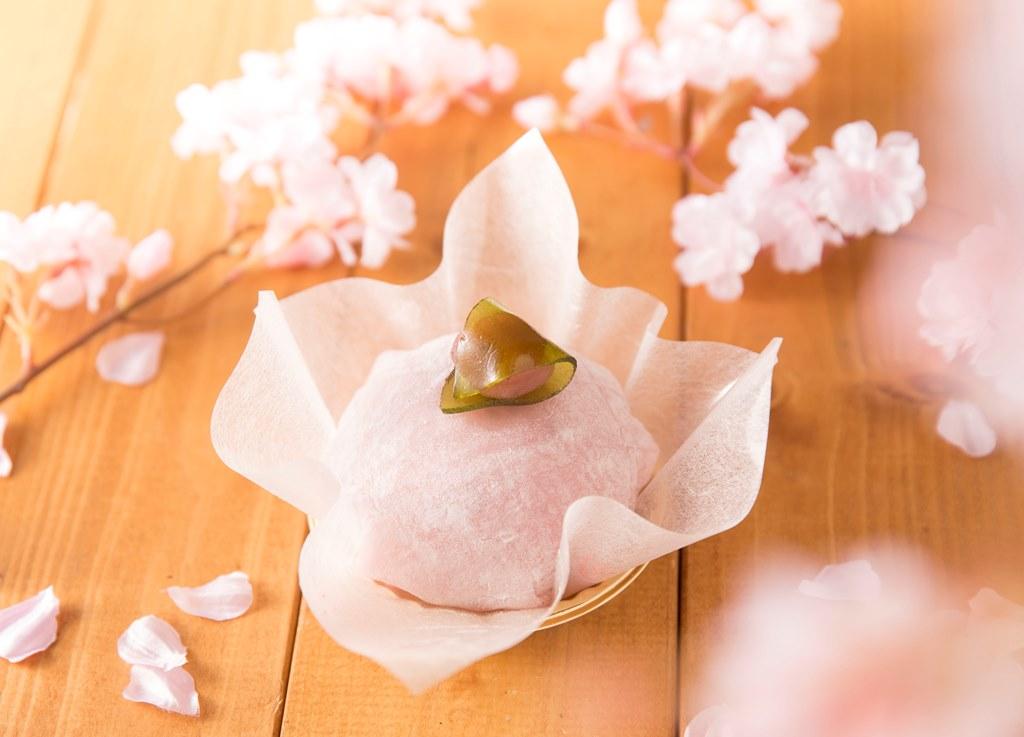 『千里阪急ホテル』・『ホテル阪急エキスポパーク』に、日本の春を味わうスウィーツ「桜MOCHI」期間限定登場