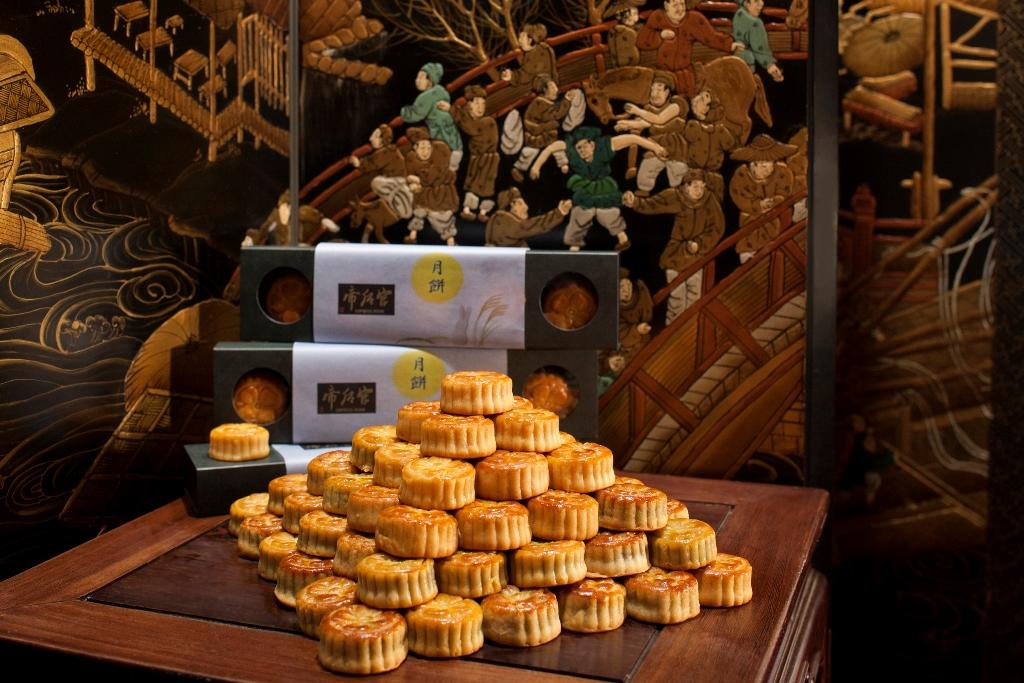 今年の中秋の名月は、『スイスホテル南海大阪』特製の「5種の月餅」と一緒に愉しもう!