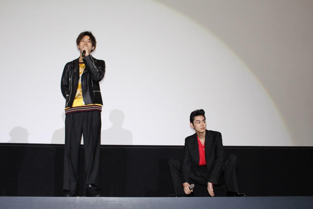 smallキセキ大阪舞台挨拶3(左から松坂桃李、菅田将暉)