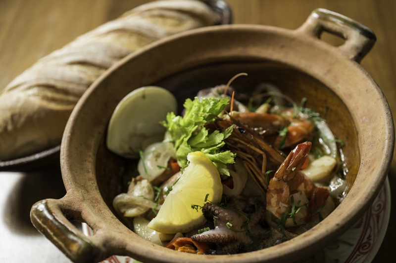 Seafood in claypot_1_S