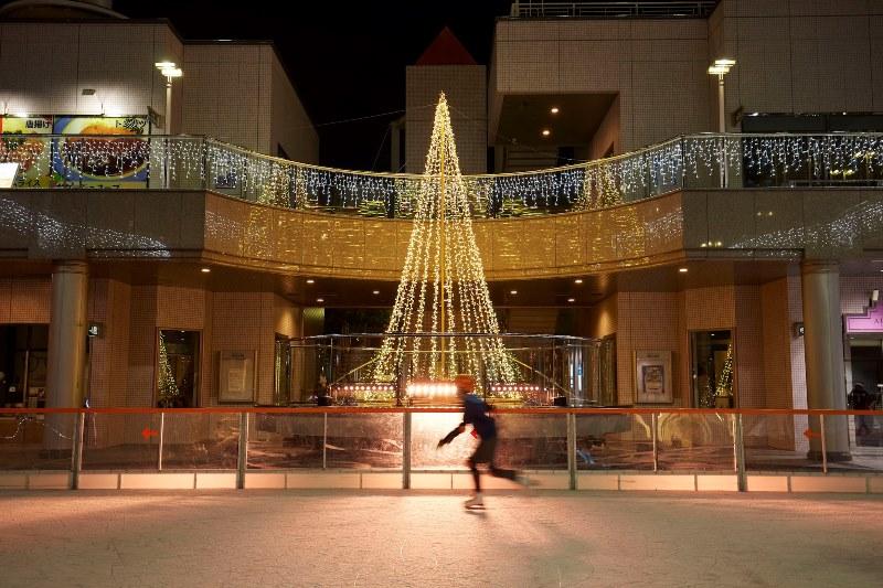 冬のデートに、レジャーに!12/1(金)~2018.2/25(日)、『ホテル・アゴーラ リージェンシー堺』に「アゴーラ・スケートリンク」が登場