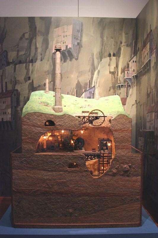 スラッグ渓谷鉱山 模型(天空の城ラピュタ)/(c)1986 Studio Ghibli