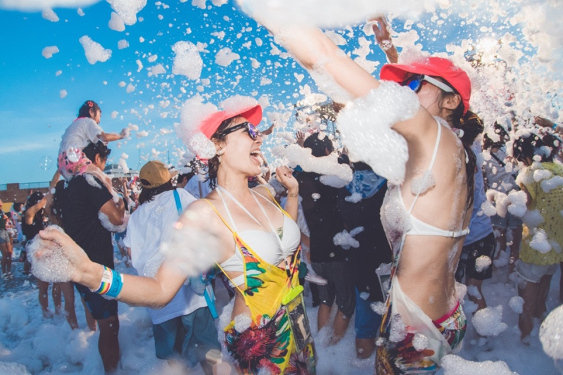 「日本の祭」「盆踊り」がテーマの現代のお祭りで全身泡まみれ!8/25(土)・26(日)、「泡フェス祭 -OSAKA BON 2018-」開催決定