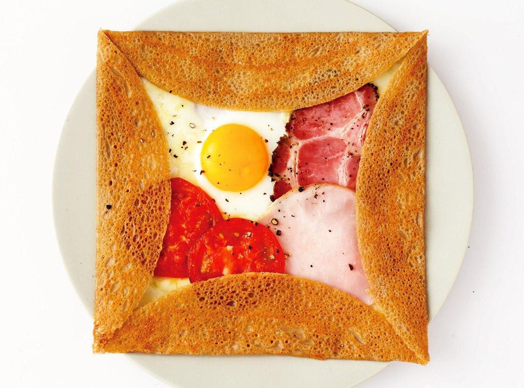 ガレット_最高級発酵バターと2種のハムのコンプレ_1080円
