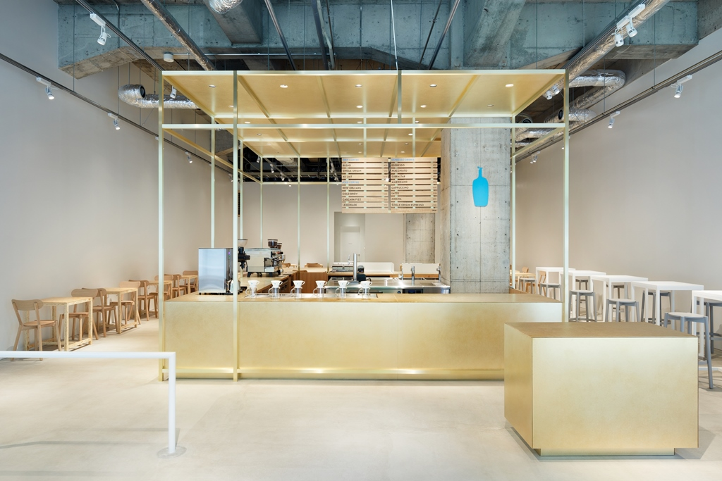 美しい街並みに溶け込む洗練された空間デザイン!7/20(金)『ブルーボトルコーヒー神戸カフェ』誕生