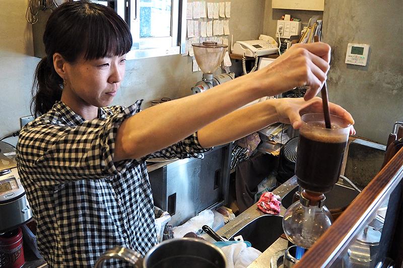 サイフォンで淹れるコーヒー