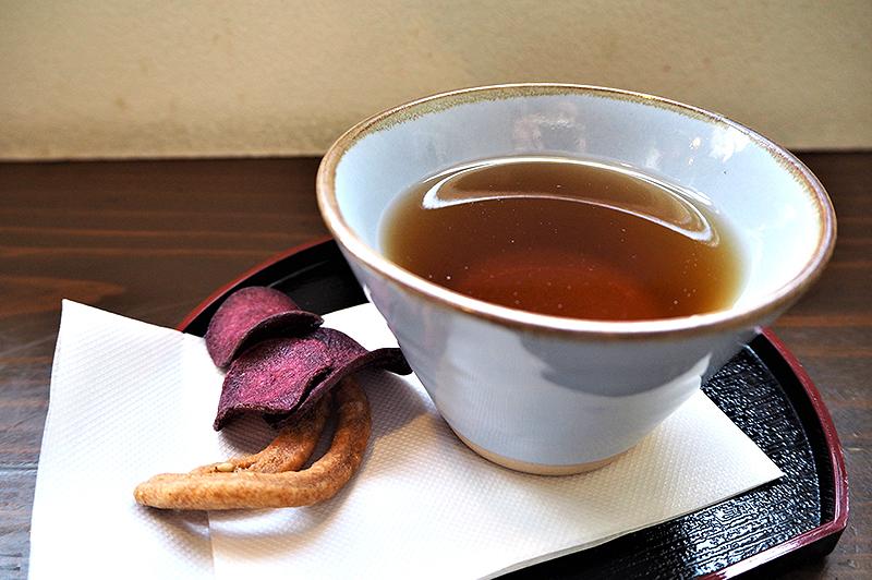 野菜チップスつき ごぼう茶