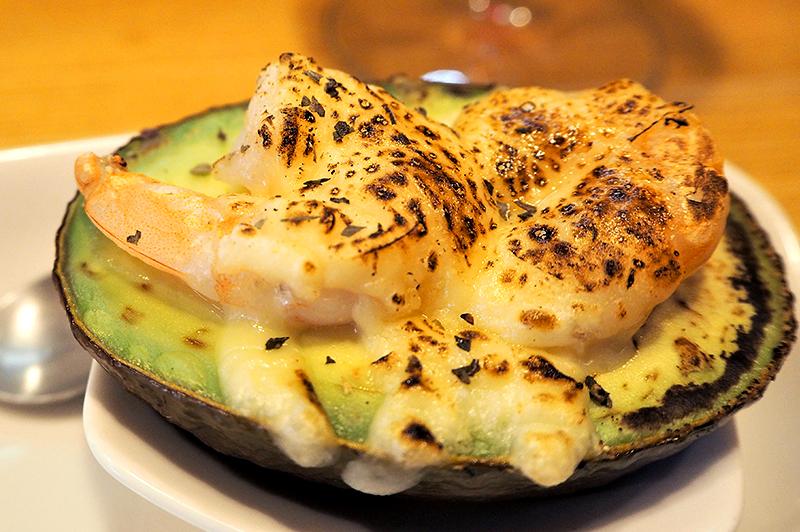 大阪・福島のアボカド専門店『Cafe&Bar AVOCADO』で、アボカド料理をアテにゆ…