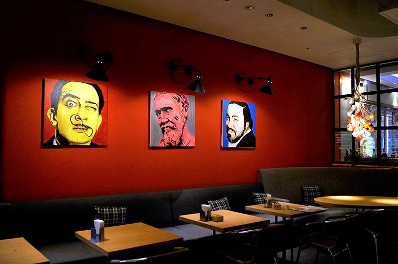 大阪『ミュゼ 茶屋町』の真っ赤な店内やテラスと石窯ピザやパエリアが人気♪