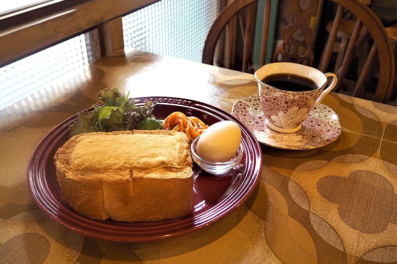 分厚いトースト&コーヒー