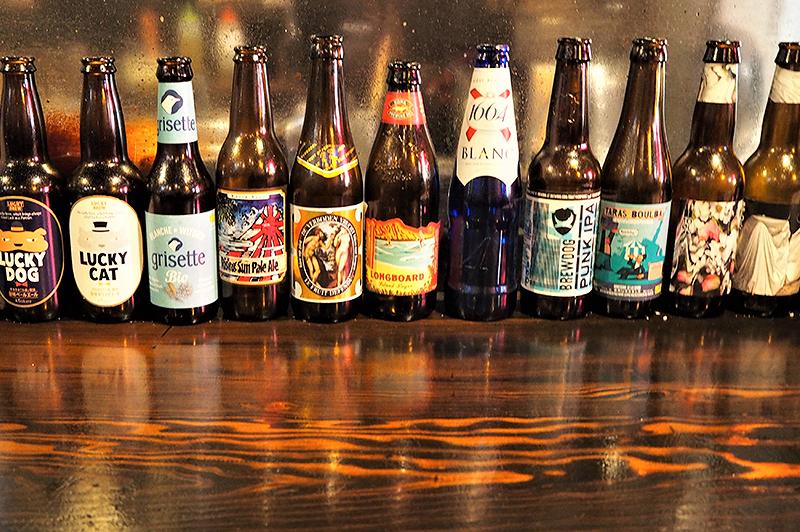 ボトルがカラフルなクラフトビール