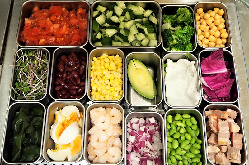 近畿農家の野菜を使用したサラダの特注ワゴン