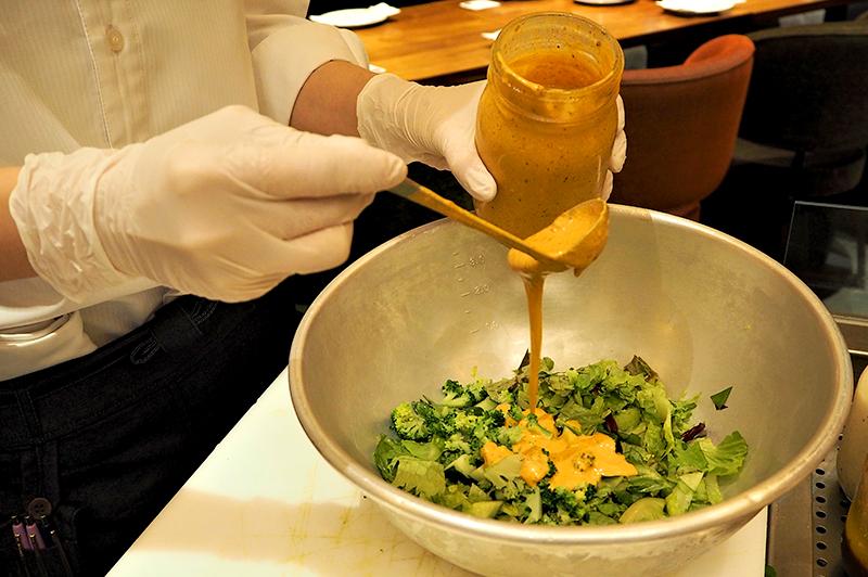チポトレを使用したチョップドサラダ