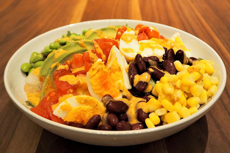 ボリュームたっぷりメキシカンコブサラダ
