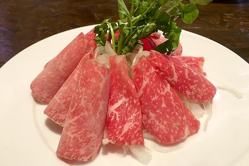 熟成イチボ肉のローミート(霜降り刺)