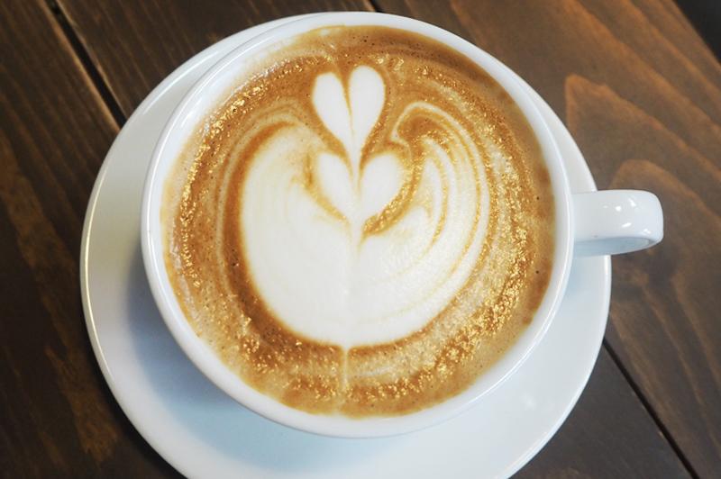 だるま珈琲のカフェラテ