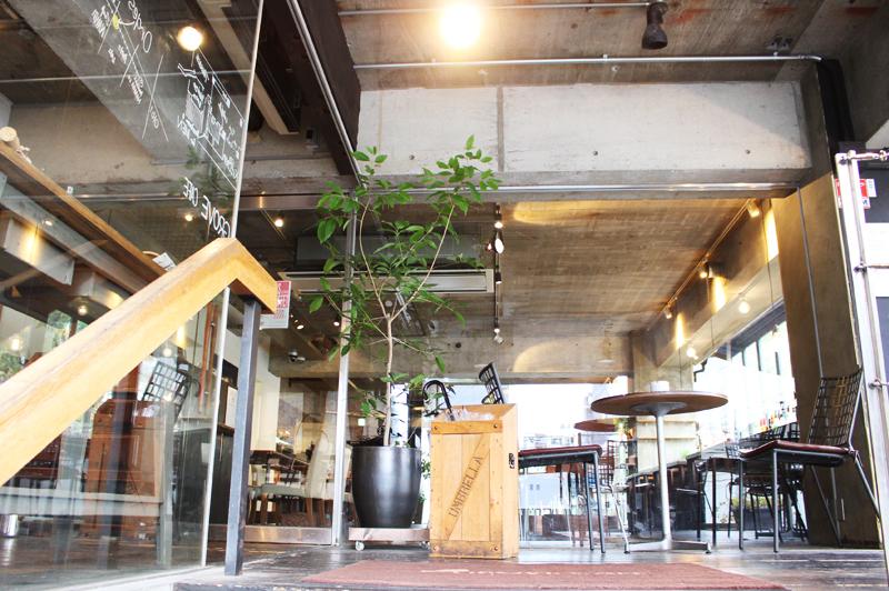 GROVE CAFEの店内