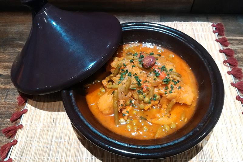 大阪・梅田のモロッコ家庭料理店『Le Marrakech』で、スパイシーながらも素材を活かした優しい味が◎